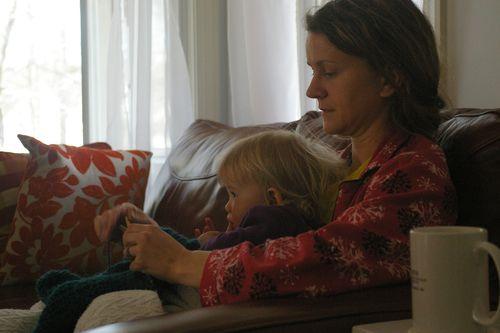 Momma_canaan_knitting